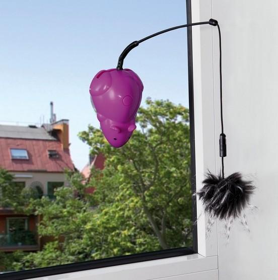 Image of   Drillemus til at sætte fast på vinduet